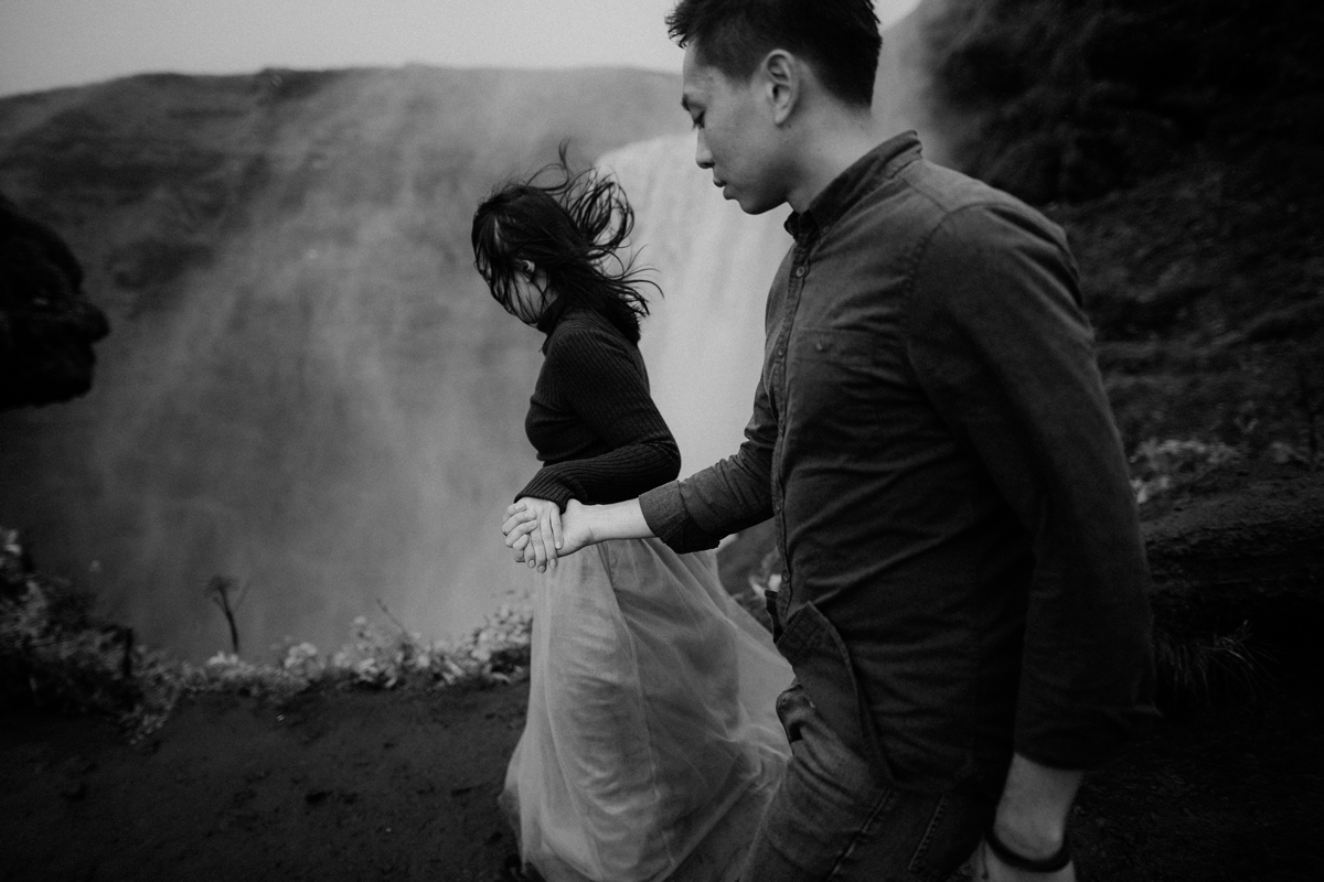 lukas-piatek-lookslikefilm founder-interview, iceland, wedding photography, black and white, waterfall
