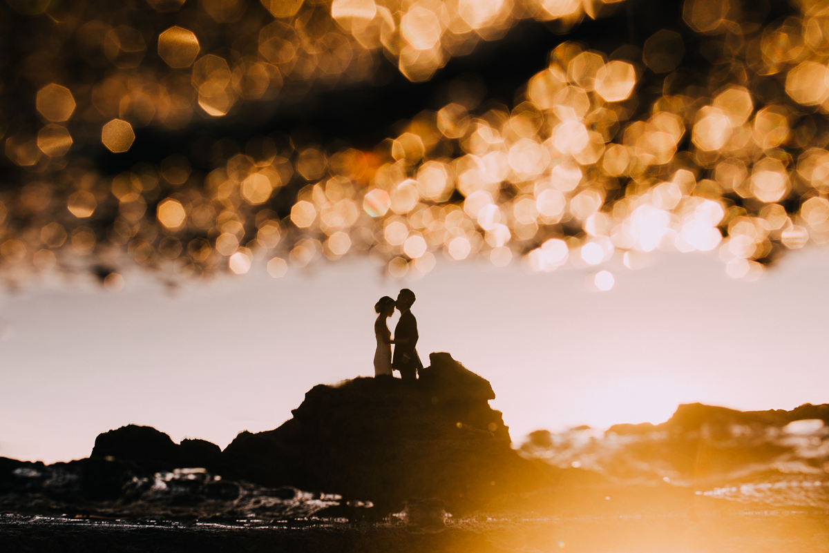 Diktatphotography weddings in Bali, top 10 best photoshoot locations in Bali - Sunset Effect Reflection, beach, golden hour couple