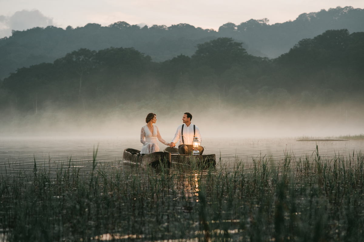 Diktatphotography weddings in Bali, top 10 best photoshoot locations in Bali - Tamblingan Lake, foggy