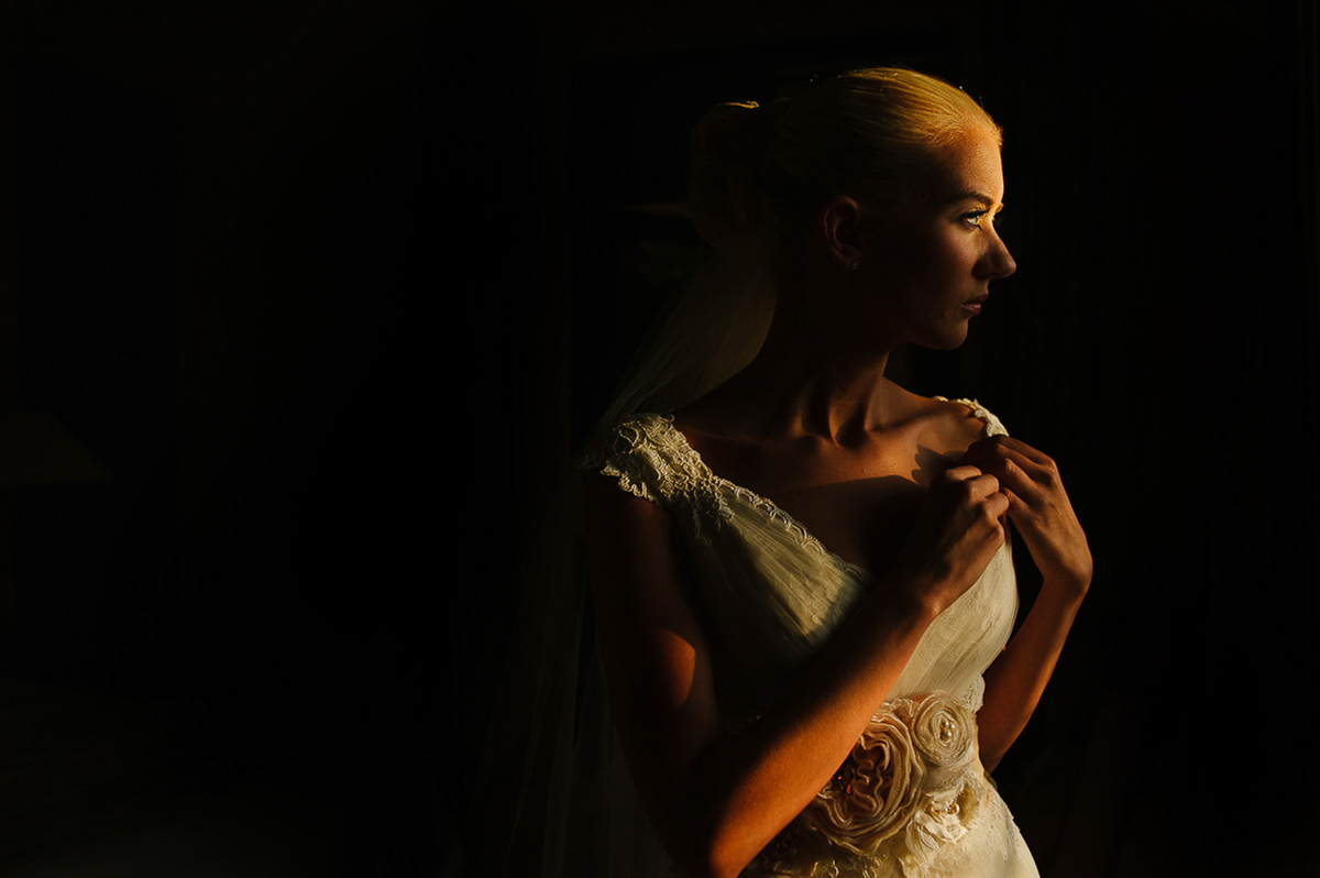 Citlalli Rico - Most common Mistakes done by photographers, wedding cancun, mexico, shadows, moody portrait