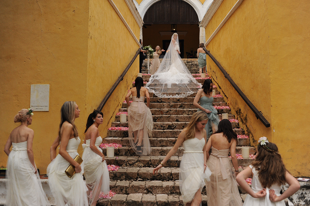 Citlalli Rico - Most common Mistakes done by photographers, wedding dress, long veil cancun