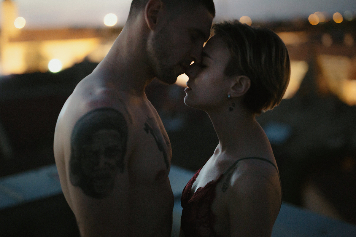 Danilo & Sharon: How to Stop Seeking Perfection in Photography, Serbia, rooftop, couple shoot, intimate moment, close up, kiss, passion, tattoo