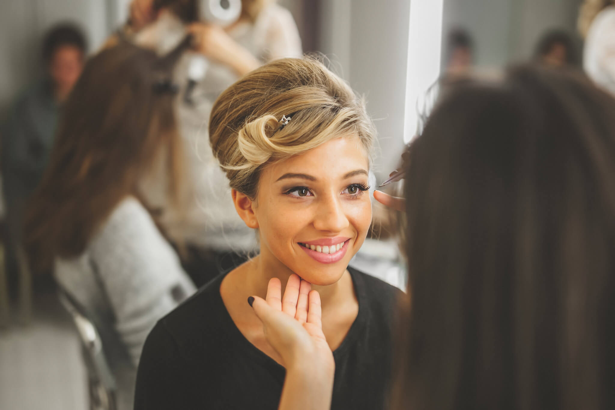 How to organize a styled photoshoot. Luca Ranja photography, bride getting ready, hairstylist
