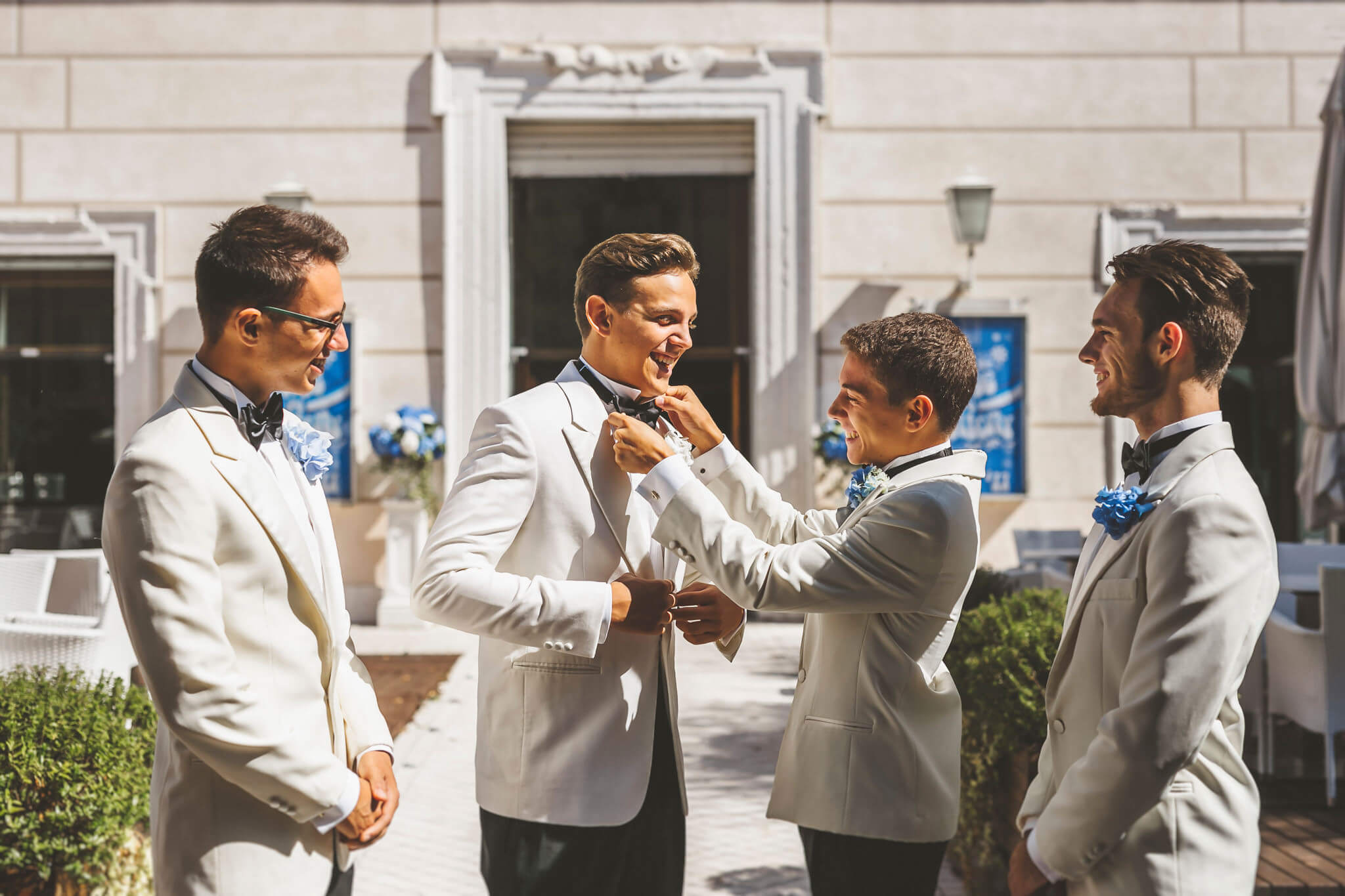 How to organize a styled photoshoot. Luca Ranja photography, groom and best men