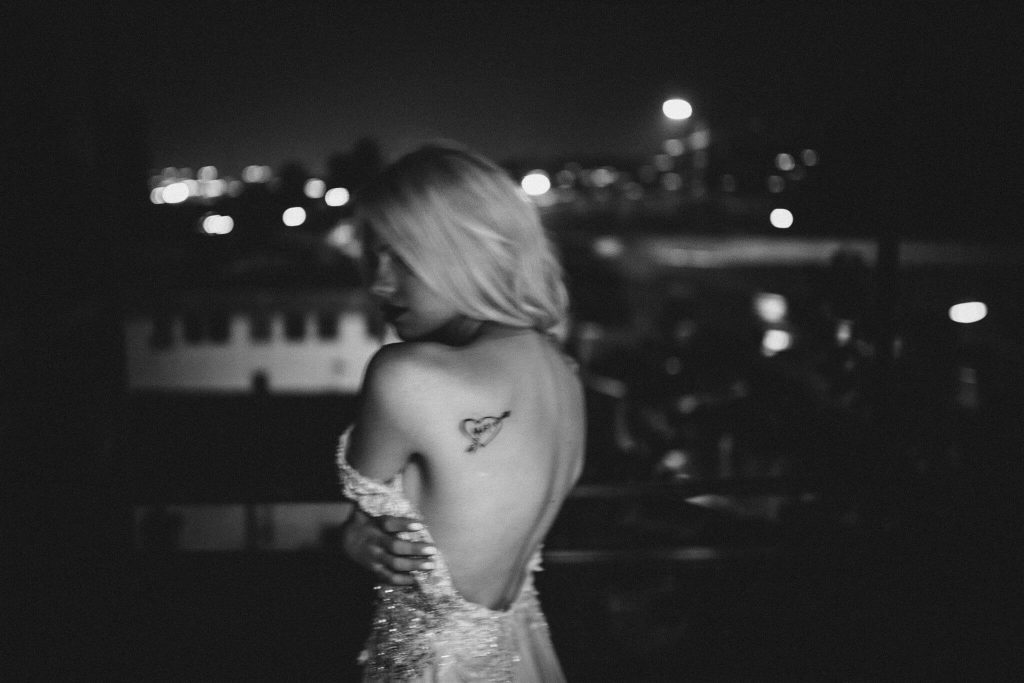 Black and white dark portrait of bride on rooftop. Petar Jurica. Things nobody tells you about blogging